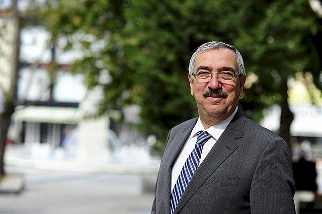 Lüleburgaz Belediye Başkanı: Emin Halebak